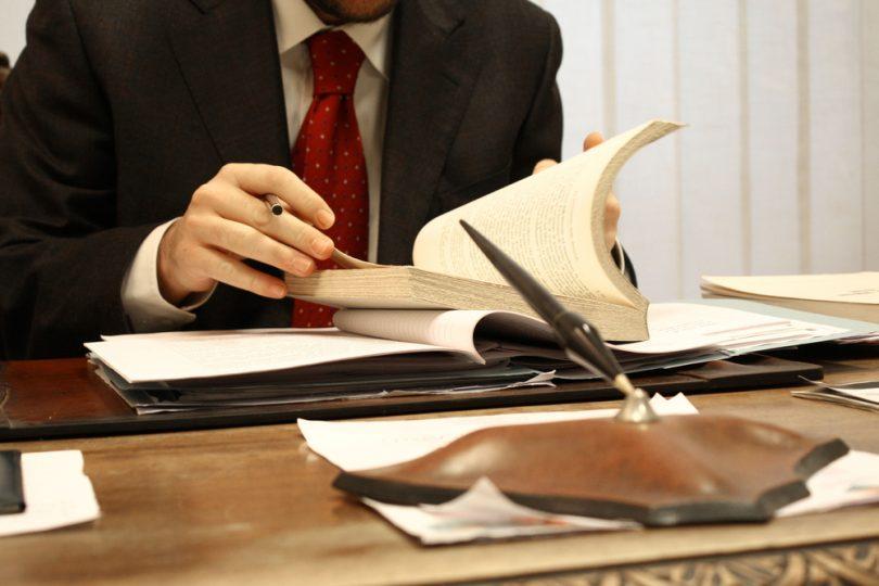 Как найти консультацию юриста по вопросам недвижимости в Интернете