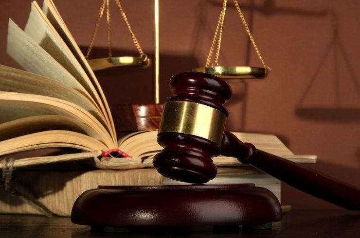Как найти адвоката по уголовным делам: подробное руководство